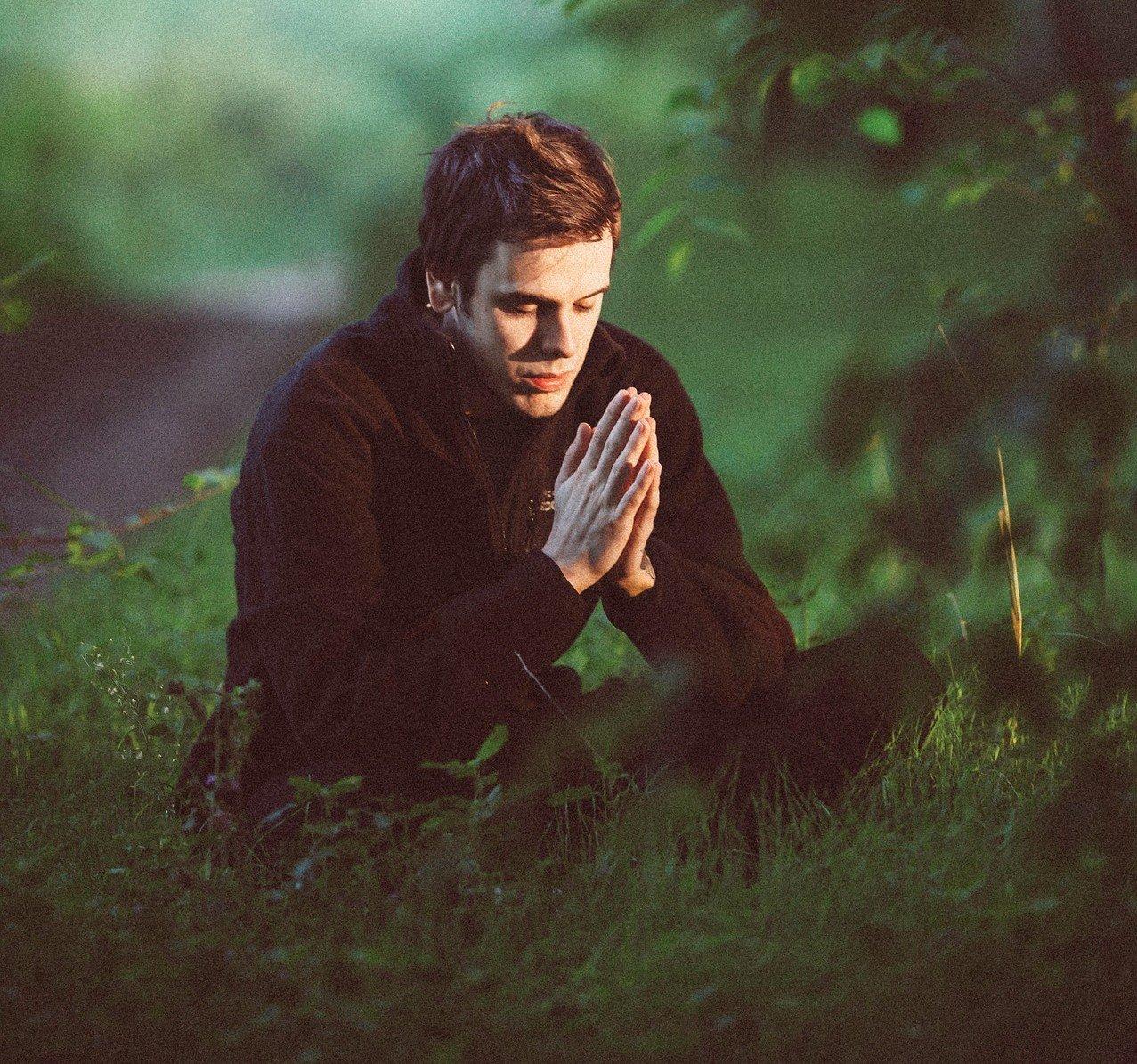 Votre âme est parfois triste et vous recherchez la Paix ? Parcourez ce fil de discussion... - Page 2 Meditation-1350599_1920-e1477514008681